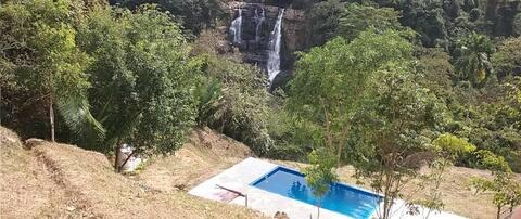 Waterfall Hut. Authentic & inspiring. Nature.