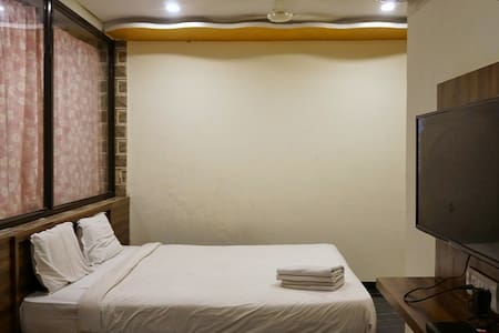 Deluxe Room Hotel Panchgani Holiday Home