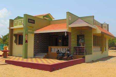 Mithbav, Devgad, Sindhudrug - Devgad - Ház