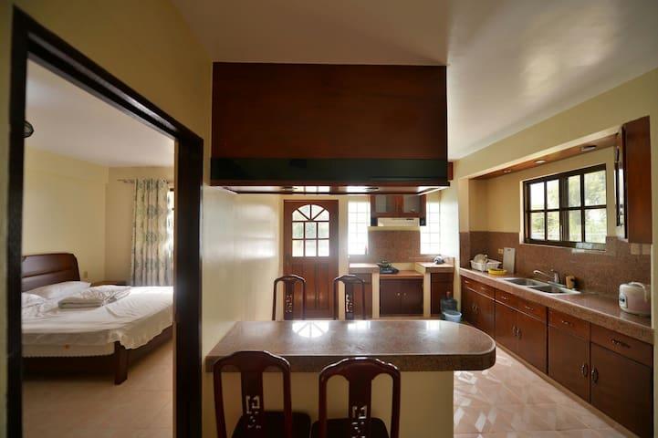 凤凰花园一室一浴花园套房B-1 / 1 BR Suite - Garapan