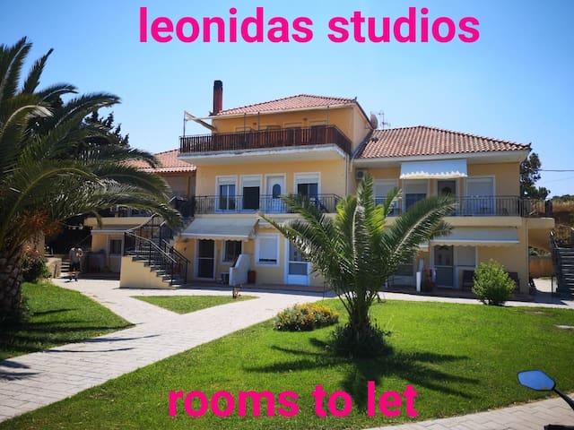 leonidas studios