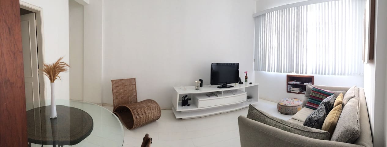 VERY COMFY AND CLEAN  2 BEDRONS APARTMENT !!