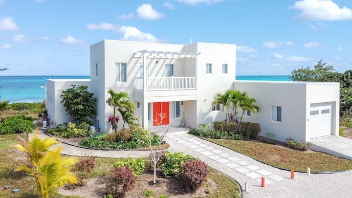 New Build Oceanside Private Home 'Saffron House'
