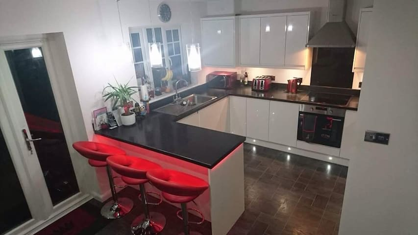 Modern Twin Room  on the Harbour - Eastbourne - Casa