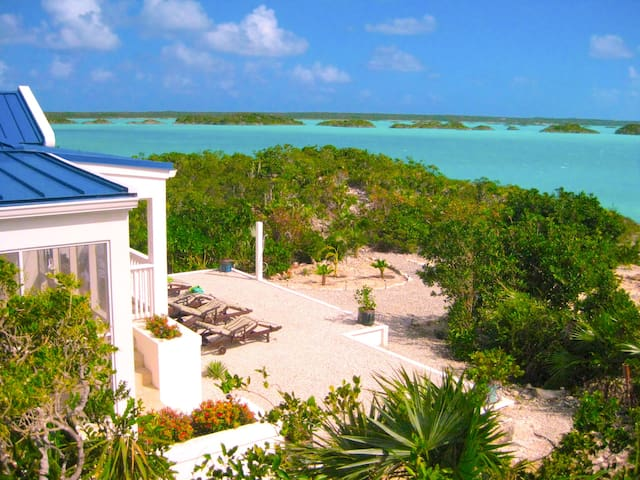 Blue Pearl Villa - Private Beach - Chalk Sound - House