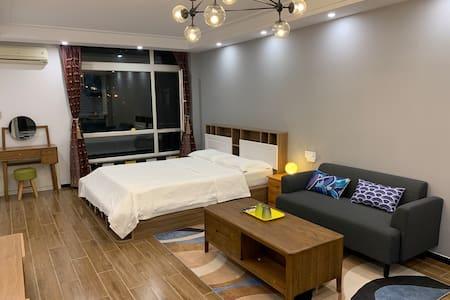 「蜜驿 ·510」是一种新的生活方式,满满60平北欧风奢华与舒适并存,一个属于你滨海小城全新的家。