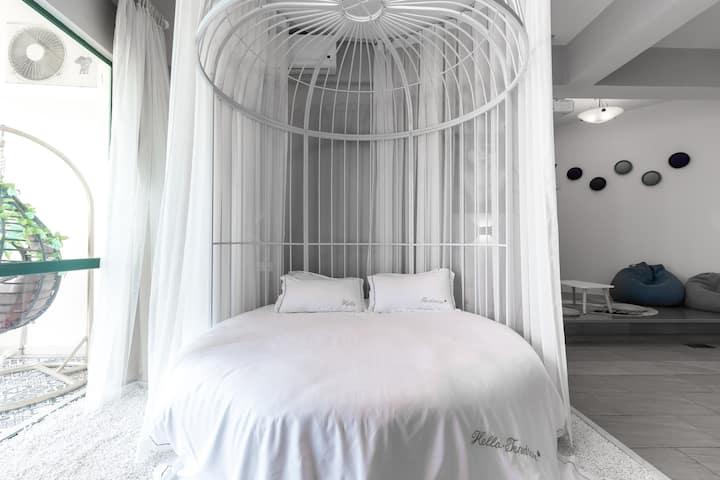 【浮生若梦】22楼躺在床上看海的浓情北欧风浪漫圆床房