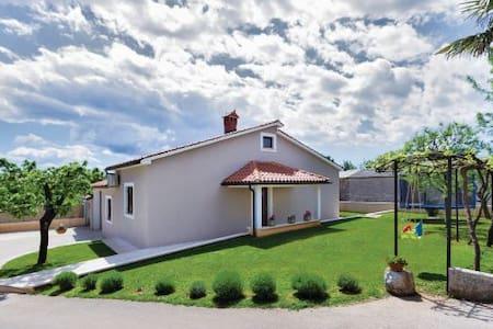 Villa Serena-modern family house for great holiday - Balići - Talo