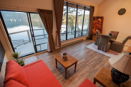 shangrila waterfront vacation home(king suite 2)