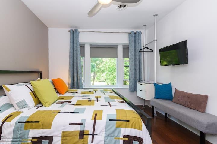 House 5863- Room 1