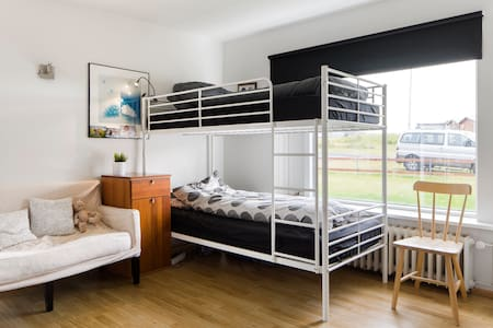 Near the airport and Blue Lagoon 6 - Shared room - Reykjanesbær - 独立屋