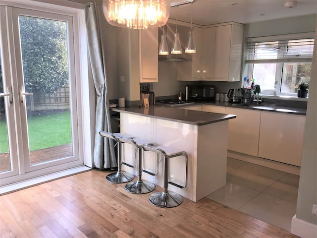 Large double bedroom in Southbourne, Bournemouth