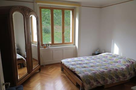 Charmant appartement de 3 pièces bien ensoleillé - Le Locle
