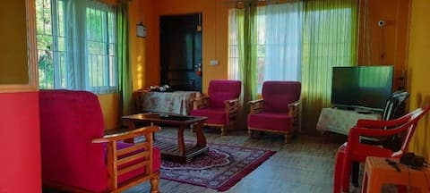 """""""HAMALYAN CASEMENT"""" HOMESTAY brings you an exotic and authentic experience of. nature. Horizon view with sunrise over the plane landscape of Siliguri, and mountain range of KANCHANJANGA with vivid crimson contrast. Place you can have more leasuare."""