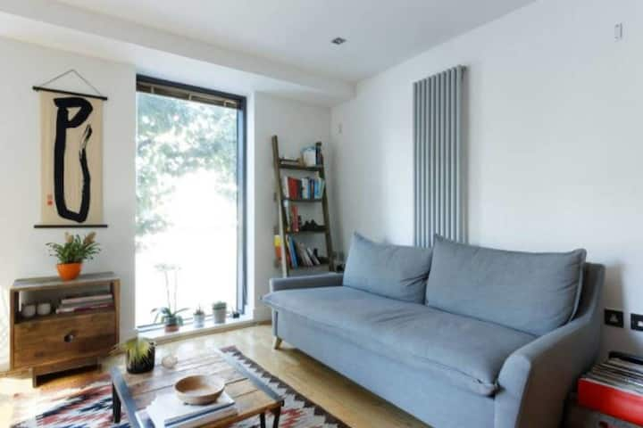 Peaceful & Modern 2BR Flat with Water Views