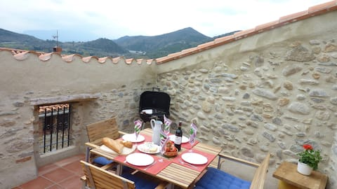 Casa Oreneta, priv. terrace, lovely views,  wifi