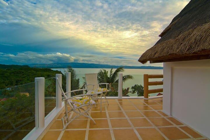 Tropicana Ocean Villas and Apartment(Casa Gabriel)