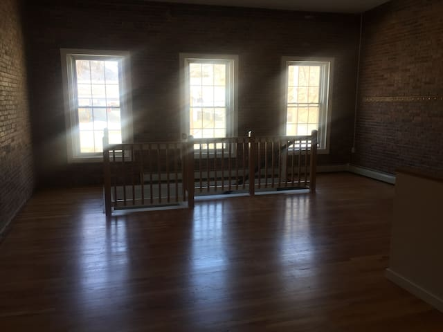 Huge and Cozy Loft Apartment - Augusta - Apartment