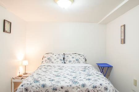 3BD Six Blocks From the Beach - 아파트