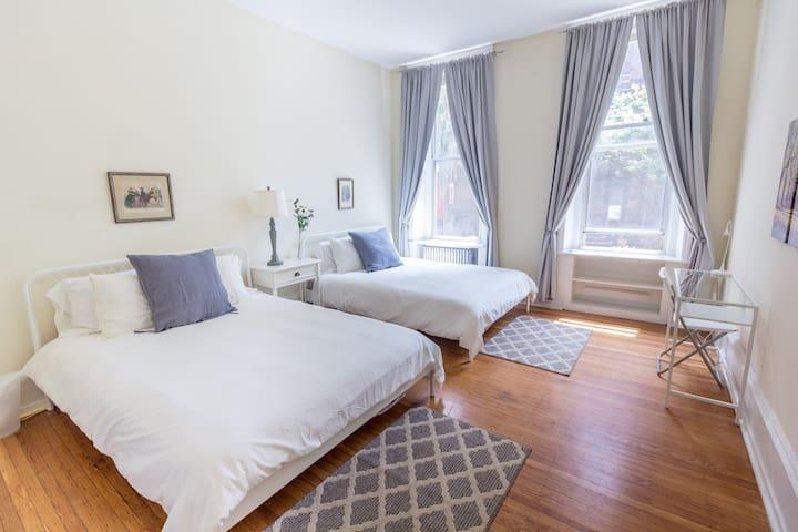 Spacious Rittenhouse Brownstone Apartment