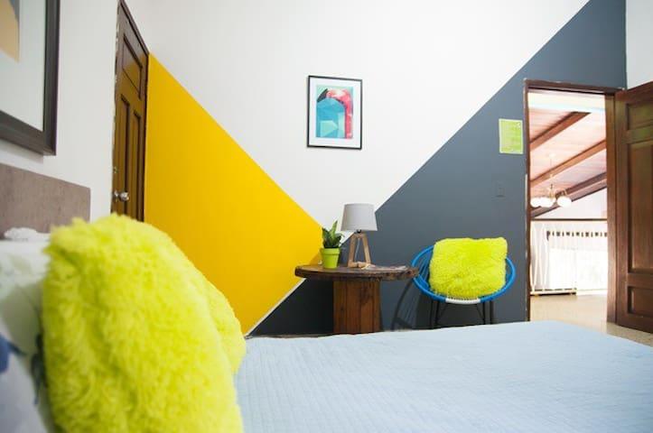 Private Room @ San Pedro's #1 Hostel, La Hamaca!