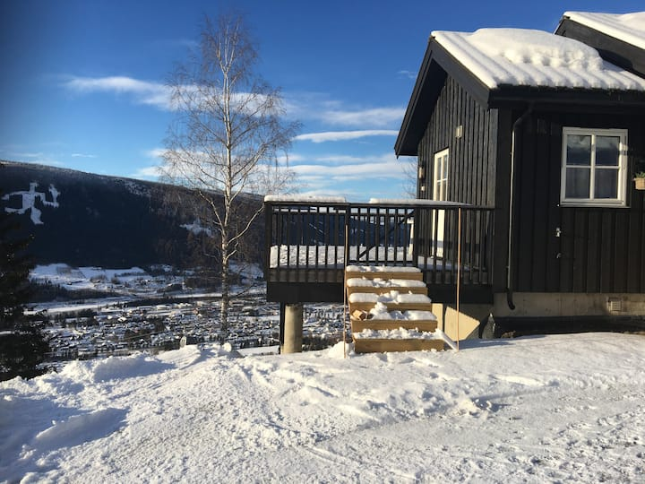 Cozy cottage in Hafjell ski in/out, stunning view.