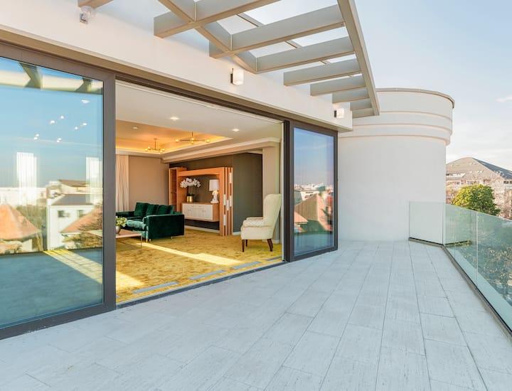 Deluxe Penthouse, Terrace @ Pergola Boutique Hotel