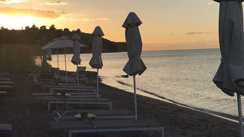 Greek Parade Beachfront -SKG -Thessaloniki Home