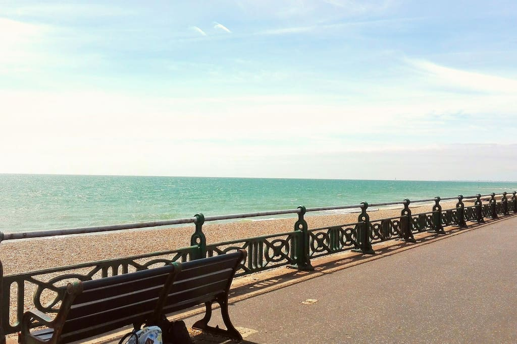 Seafront - Only 3 mins by walk...