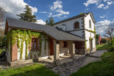 Chalet con jardín privado de 3000 m2 en Guadarrama