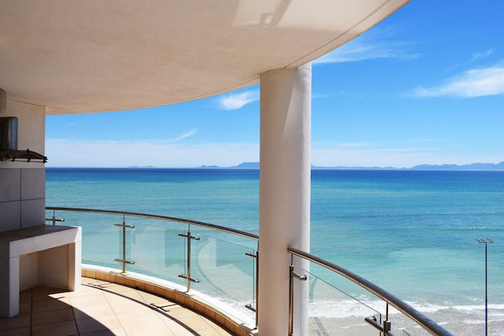 Stunning 3BR | Strand Beach Front