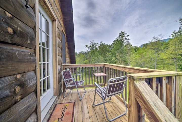 NEW! Cozy Guest House 7 Miles to Luray Caverns!