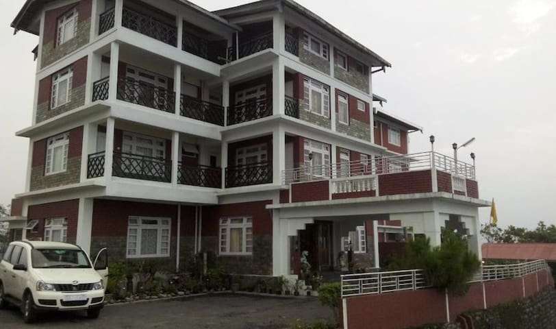 The Tashighang Resort rooms for rent - Pelling