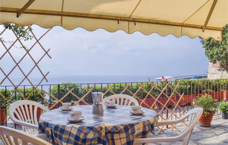 Holiday apartment with 1 bedroom on 40m² in Imperia -IM-