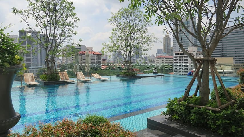 Super Luxury, Direct MRT Access, Wifi, Pool, Gym - Bangkok - Condo