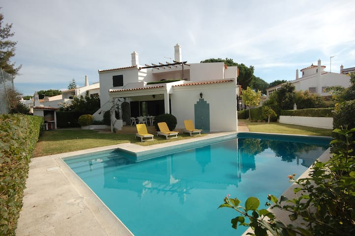 6 bedroom villa up to 12 sleeps private pool - Quarteira - Villa
