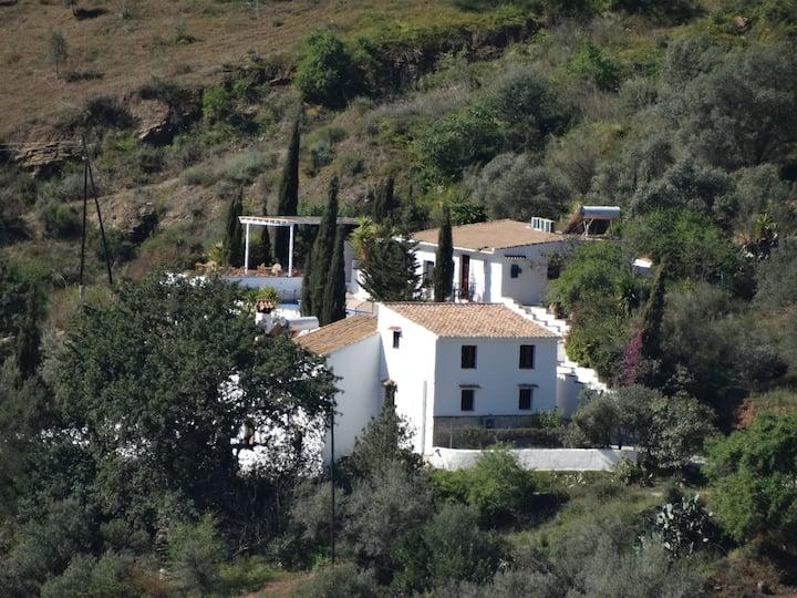 Authentieke Spaanse B&B in groene omgeving