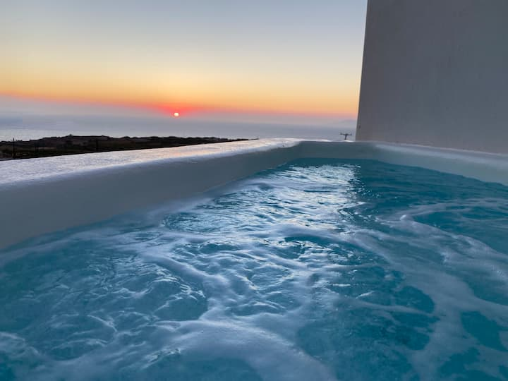 Evita Guesthouse |Heated Jacuzzi |Sea View | 4pax