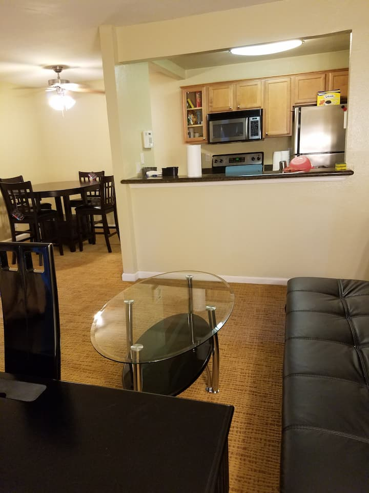 Excellent Fremont Apt, perfect for Corporate Execs