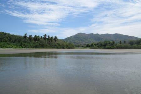 Cabina Frente a Playa San Miguel - Guanacaste - Bejuco