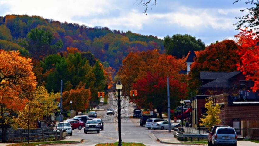 Fall Colors/Wine Weekends Special Pricing!