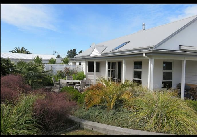 Cosy annex, separate from the main house. - Geraldine - Bed & Breakfast