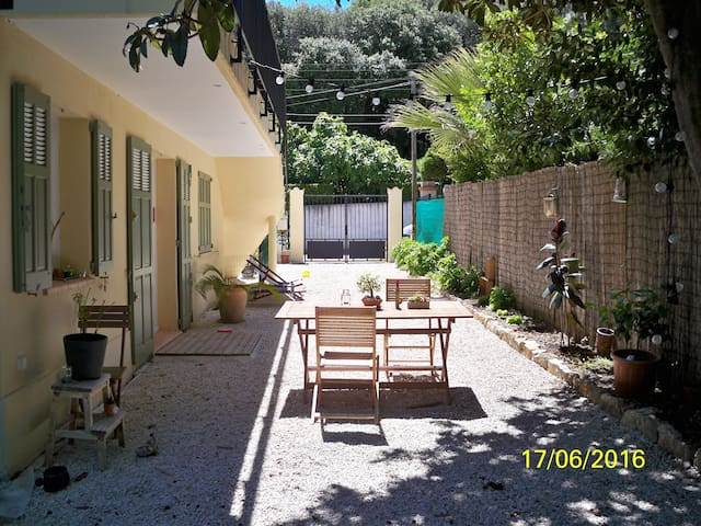 Very quiet apartment in the Cap d'Antibes