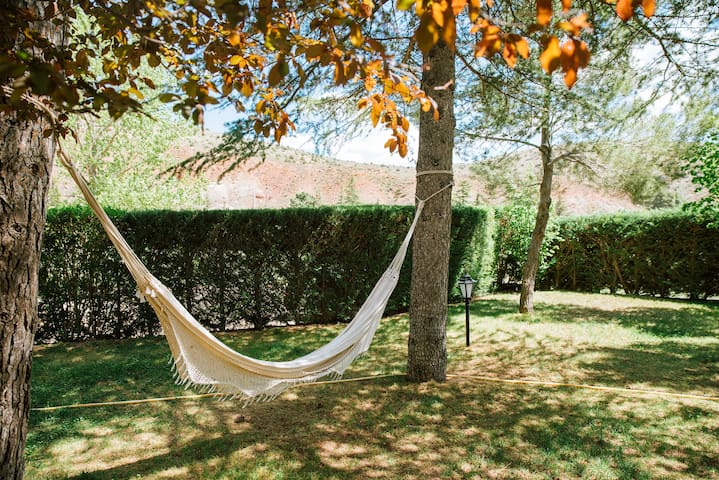 teruel big and beautiful singles Aragon 109 verified direct by owners vacation rental ads on iha  are people who are listed as the most beautiful  ideal for couples with baby and singles.
