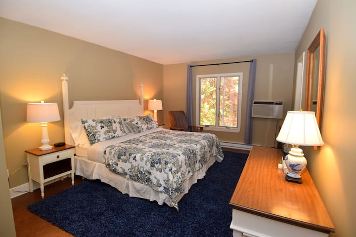 Lodge: Room 206 - Apple Tree Inn