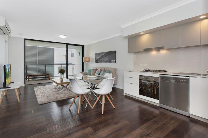 Trendy Inner-City Kelvin Grove Apartment - Kelvin Grove