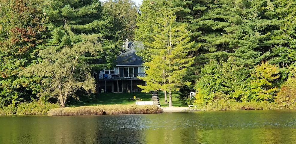 Lakefront 3bd/3ba House with Sauna on Blueberry Lk