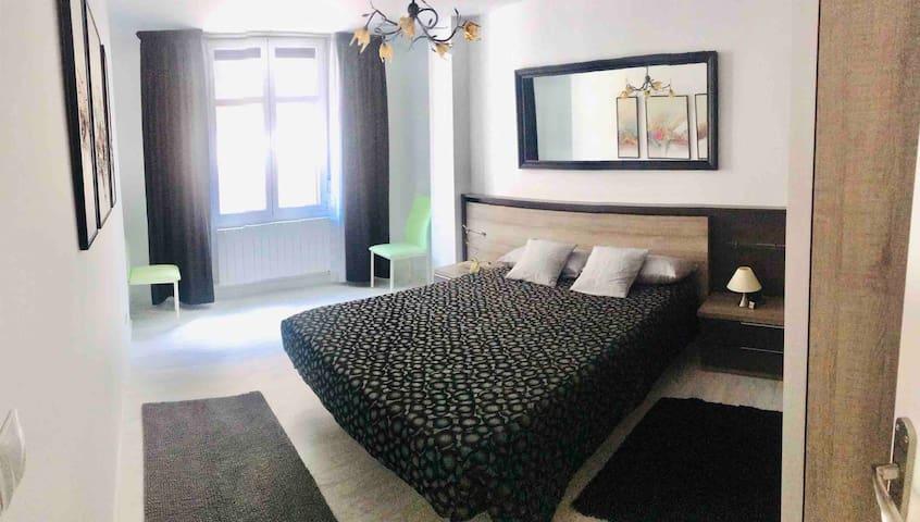 Dormitorio principal cama 1,50 mt