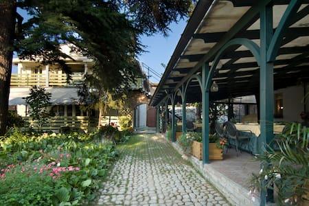 Charming rooms close to city - Carbonara Scrivia
