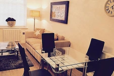 2 Bed, 2 Bath - Leamington Centre - Royal Leamington Spa